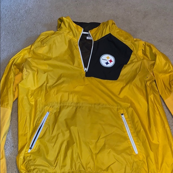 new style 3d927 a5aed Steelers rain jacket